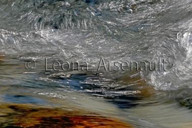 FINE_ART;WATER;STREAMS;FLUID;FLOW;ROCKS;WATERSCAPE;HORIZONTAL;