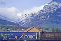 CANADA;ALBERTA;CANMORE;CANADIAN_ROCKIES;ROCKY_MOUNTAINS;CLOUDS;TRAIN;TRANSPORTAT