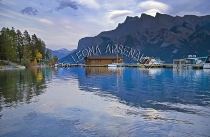 CANADA;ALBERTA;ICEFIELD_PARKWAY;CANADIAN_ROCKIES;ROCKY_MOUNTAINS;WATER;FALL;BOAT